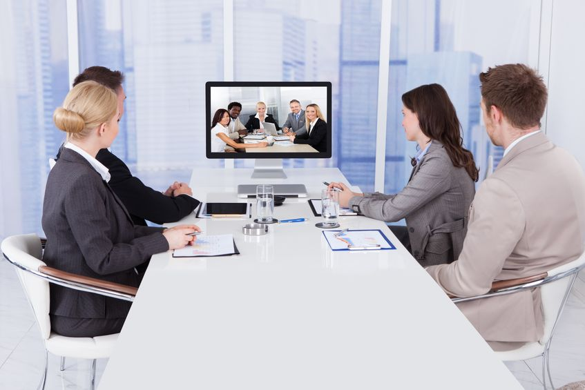 Solutions de visioconférence NXO pour les salles de réunion